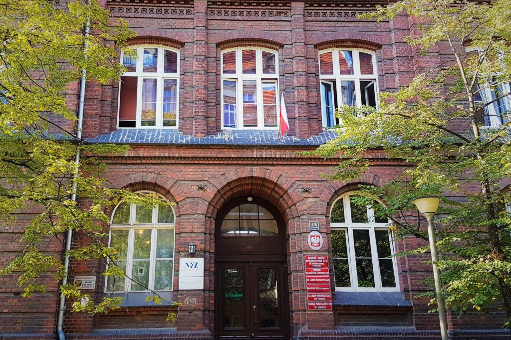 Budynek Zespołu Szkół Zawodowych nr 6 Lelewel w Poznaniu