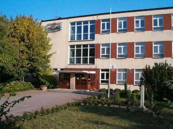 Budynek Zespołu Szkół Łączności w Poznaniu